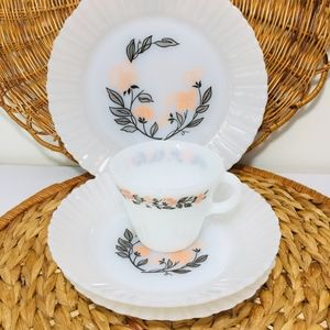 Other - Vintage, 1969s, Made in Mexico Milk glass plate an